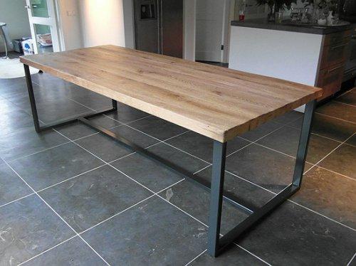 Tafel Stalen Frame : Almere tafel oud eiken met zwart stalen frame