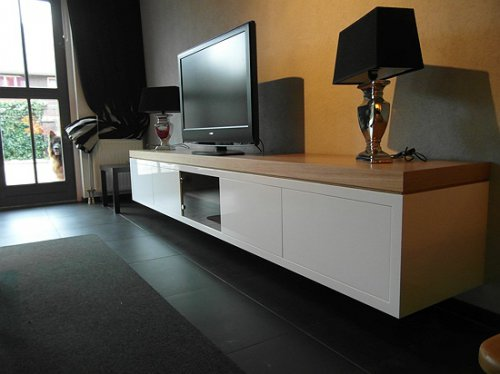 Witte Tv Kast Met Houten Blad.Hoofddorp Hangende Tv Kast