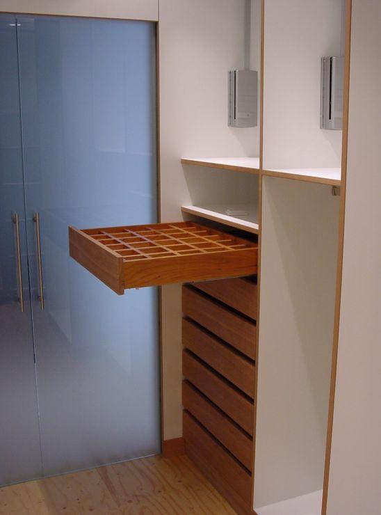 tint meubelontwerp    garderobekasten, kledingkasten en inloopkasten op maat